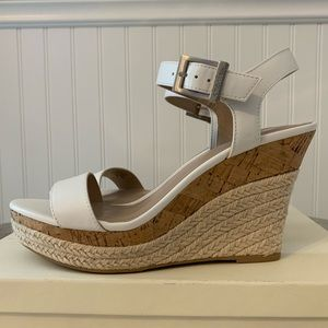 Charles David White Lauri Wedge Sandals Size 7